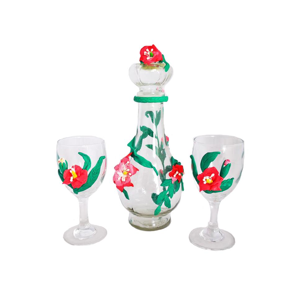 Стъклена гарафа с две чаши, Цветя, Ръчна украса от полимерна глина